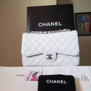 Chanel classic caviar white jumpbo bag